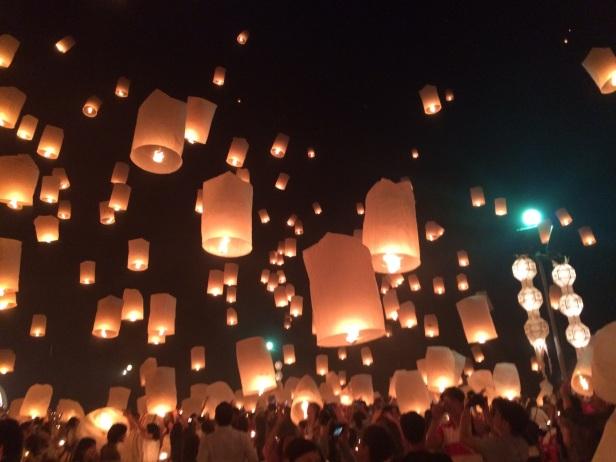 Olhares pelo mundo Festival de lanternas Tailandia